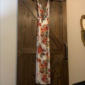 Forever21 floral maxi dress size small.